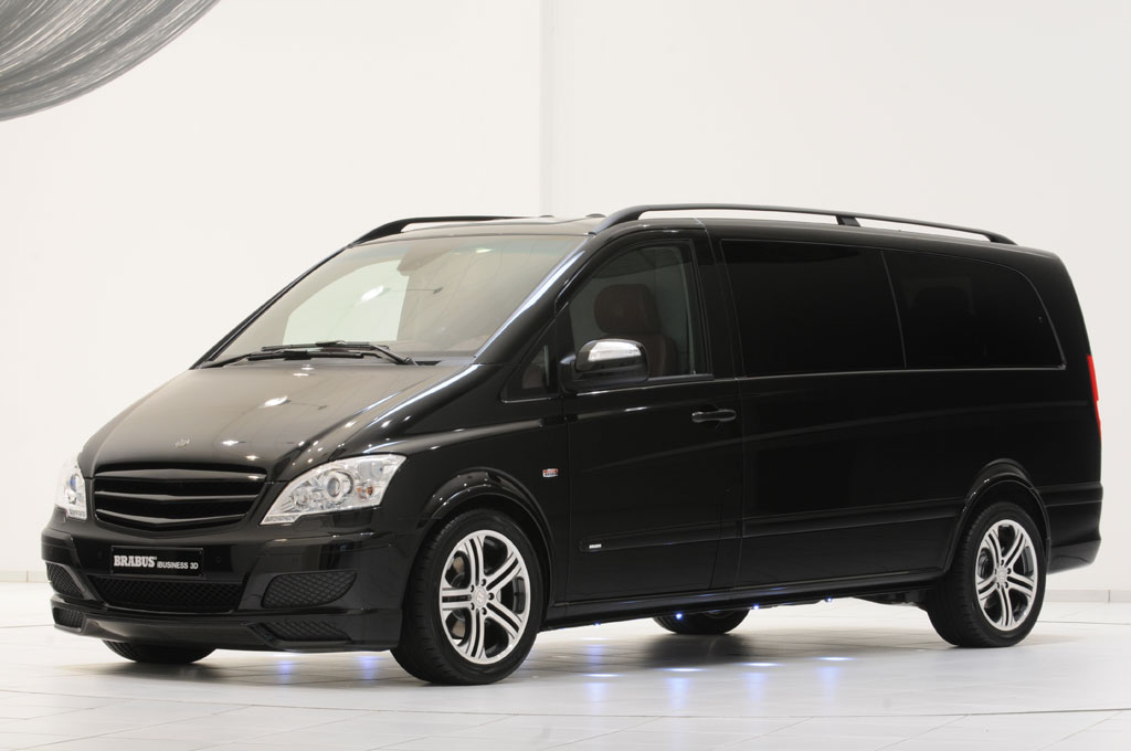 Mercedes-Benz Viano – Brabus iBusiness 3D : le salon multimédia roulant