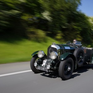 Deux Bentley Blower à la mythique course italienne des Mille Miglia